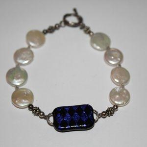 Jewelry - Bracelet with pearl like stones 8 inch